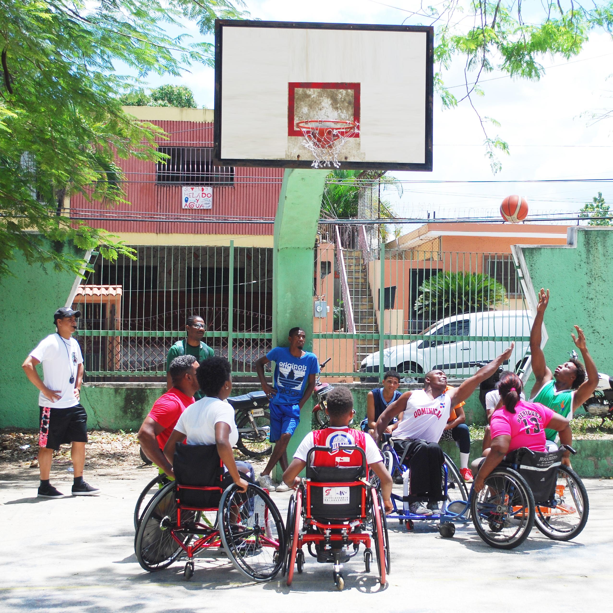 Jóvenes con discapacidad participan en Torneo de Baloncesto 3×3