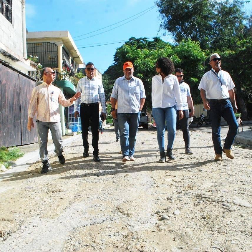 Reparación de calles en Doña Chucha y Bella Vista