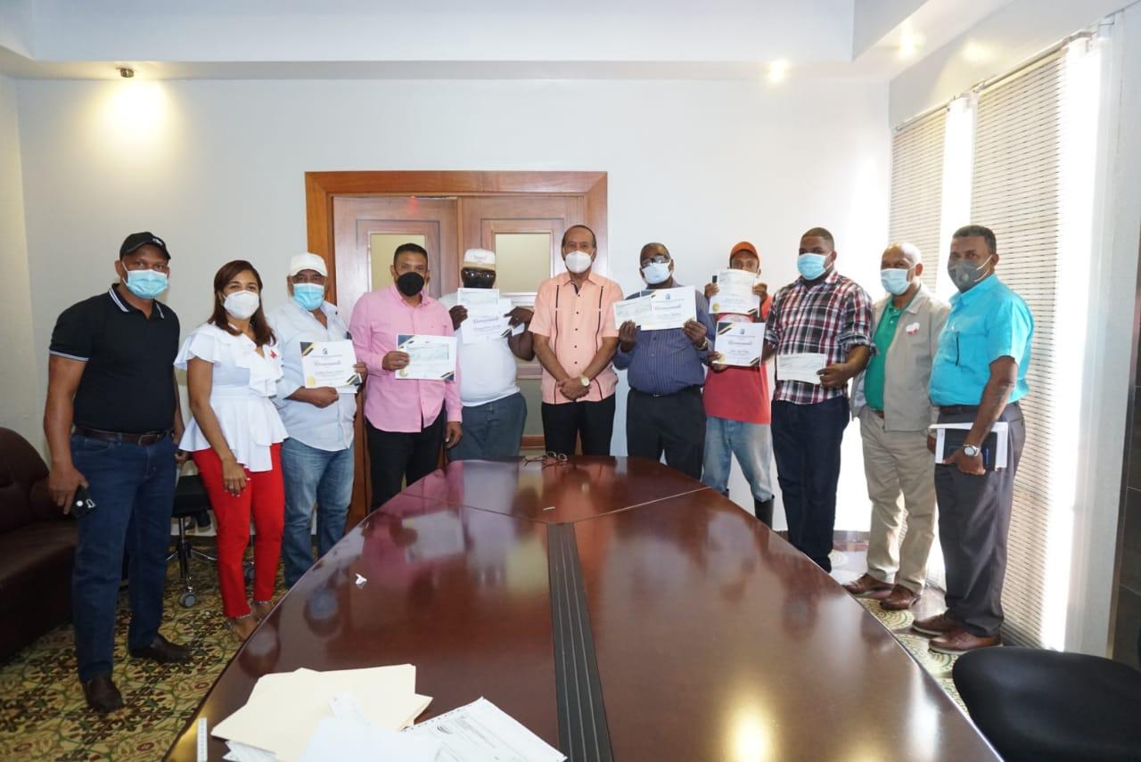 El Ayuntamiento Municipal de San Cristóbal hace reconocimiento a los colaboradores más destacados del mes de enero.