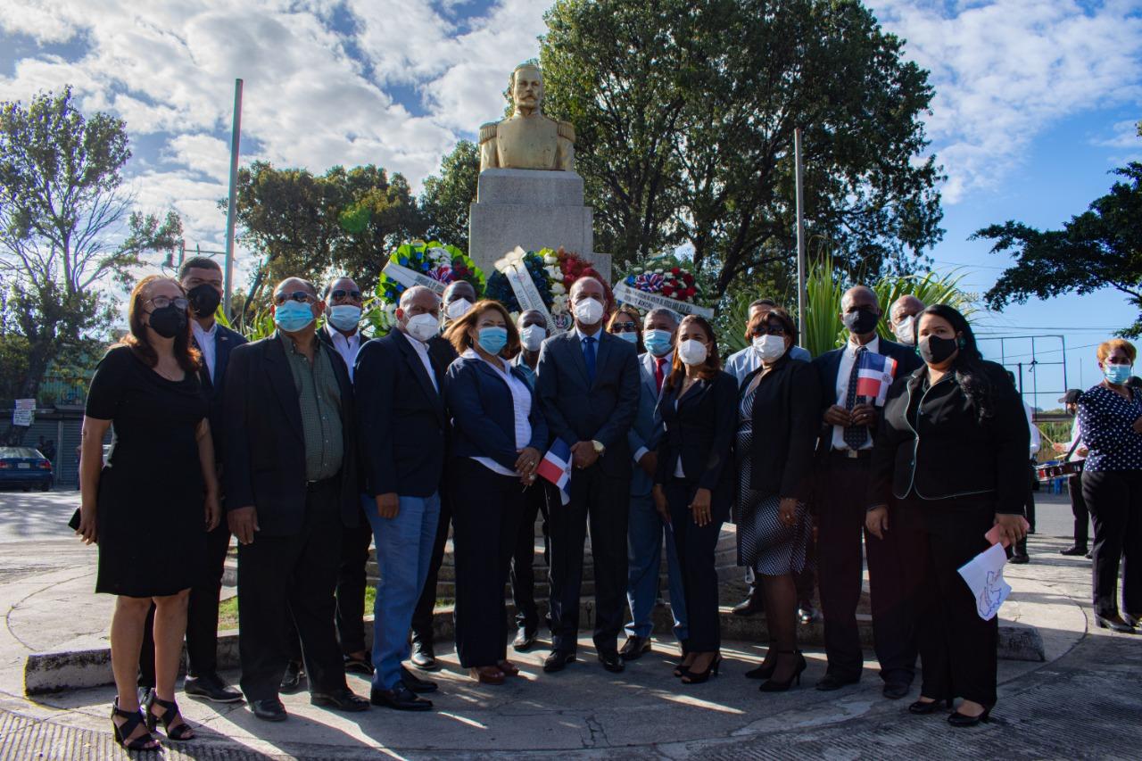 Alcaldía de San Cristóbal Conmemora el 205 Aniversario del Natalicio de Matías Ramón Mella.