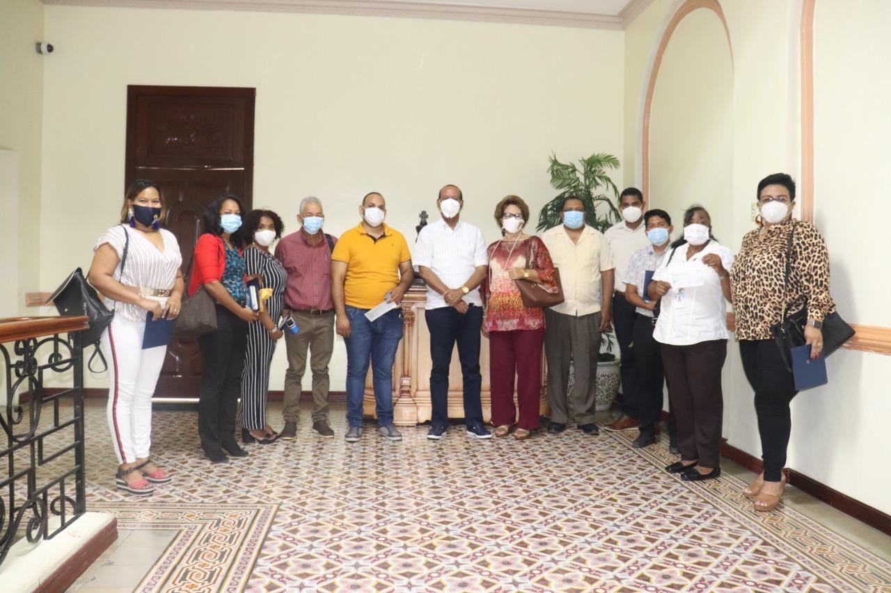 Alcaldía de San Cristóbal entrega subvención por un monto de 530 mil pesos a Instituciones sin fines de lucro.