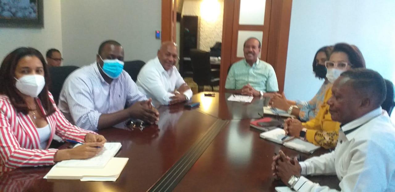 Ayuntamiento SC, Gobernación Provimcial y Oficina Legislativa en Comisión Organizadora para los actos de los 177 años de la Constitución RD.